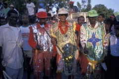 Majo Jonc in Leogane dress in sequins to juggle their batons.